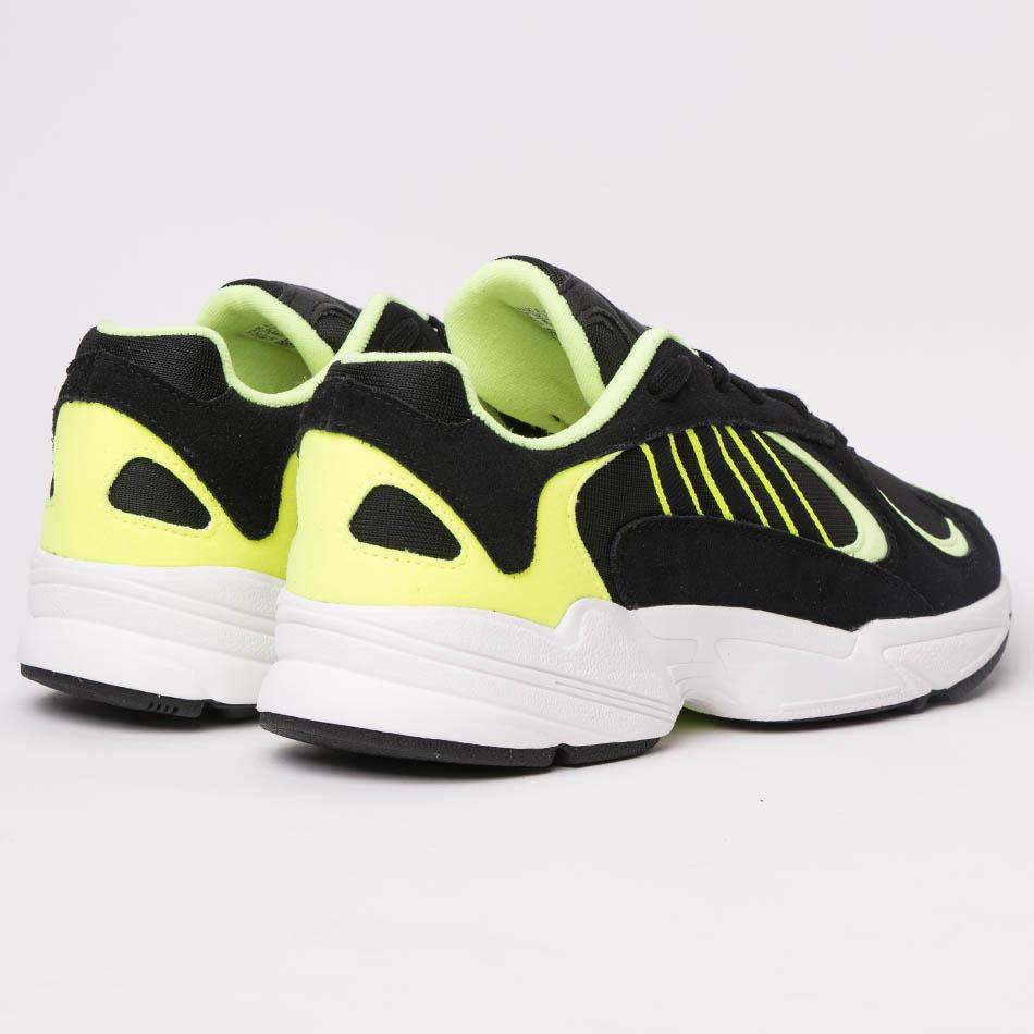 465-AF005-1184-adidas-yung-1-black-ee5317-01