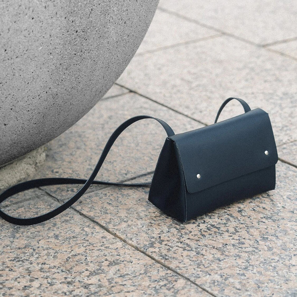 triangle bucket black bag
