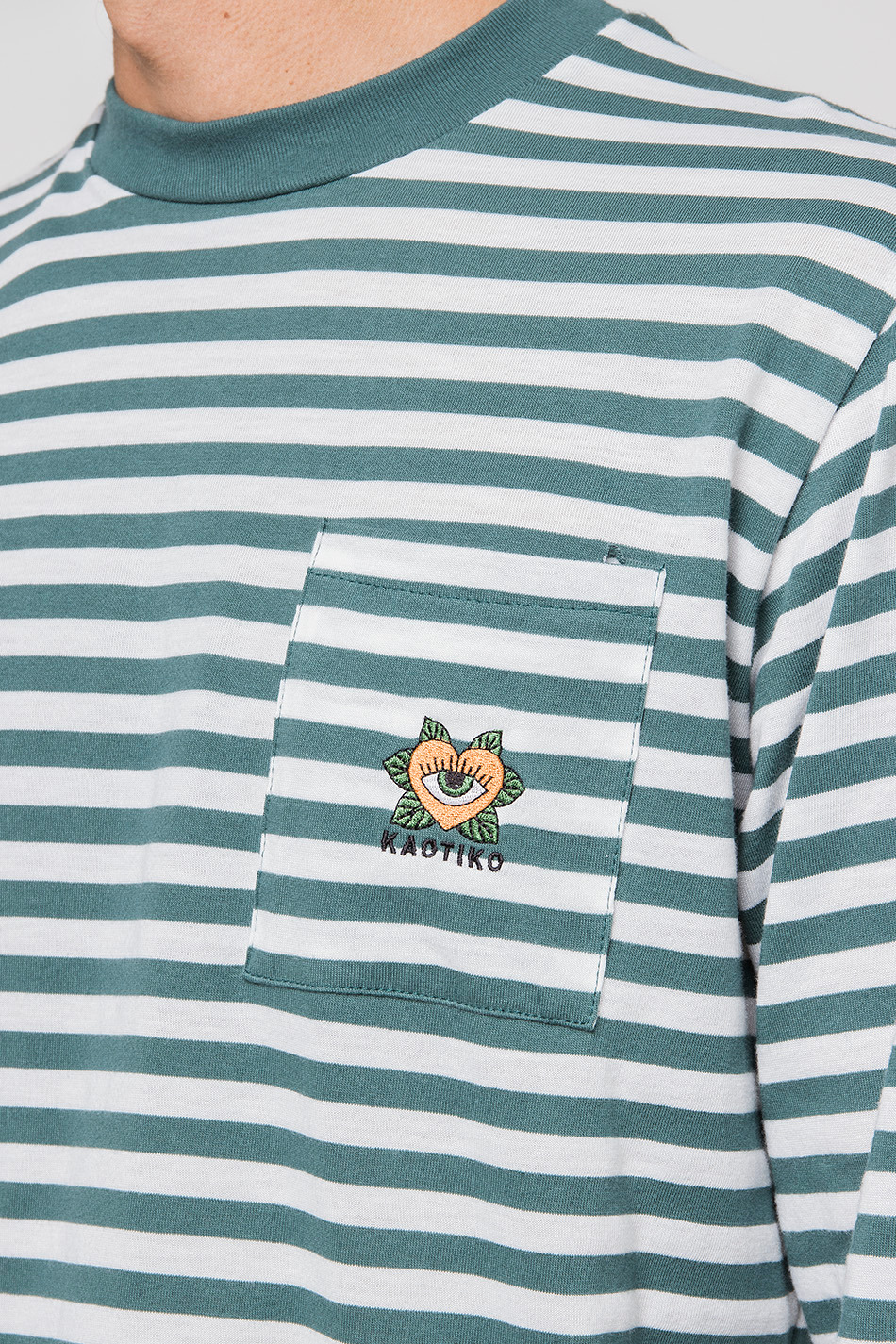 T-Shirt Green Striped Heart