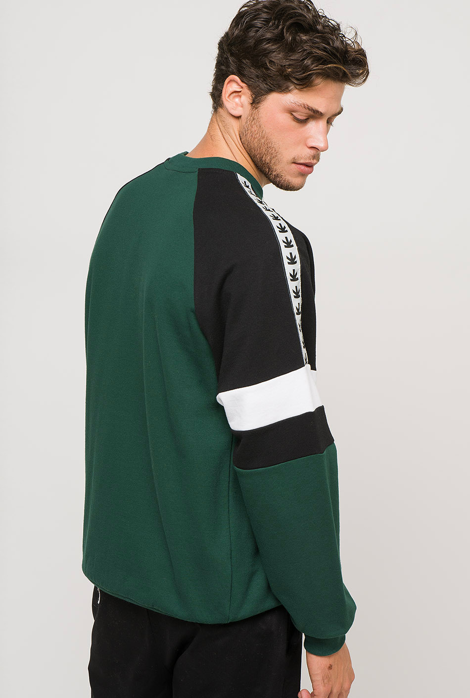 Hunter green/black sweatshirt